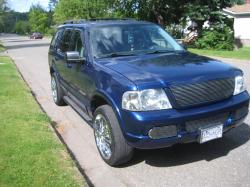 C0rtney 2004 Ford Explorer