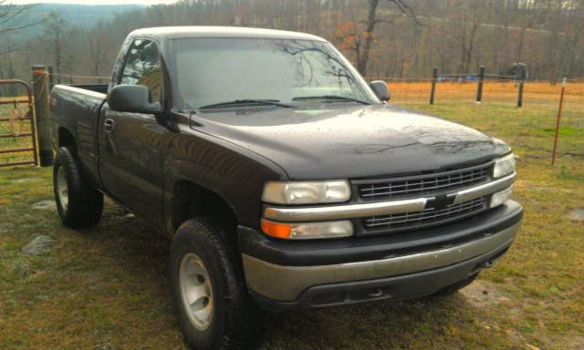 TramCam's 2002 Chevrolet 1500 Regular Cab