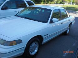 CROWNVIC BLOOD 1995 Ford Crown Victoria