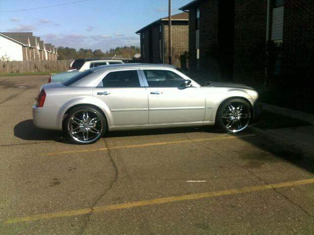 moneymon2011 2005 Chrysler 300