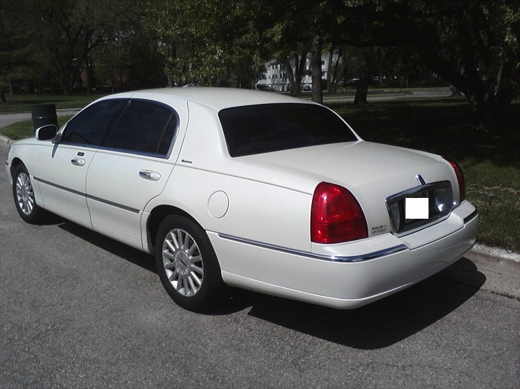 Wiscompton608 2003 Lincoln Town Car 18771183