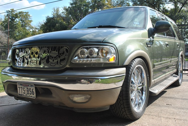 Another fatalinjury 2000 Ford Expedition post... - 15429497
