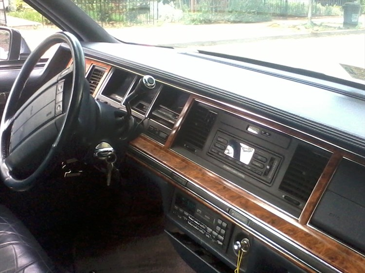 kedakari 39 s 1994 lincoln town car in fairfax va. Black Bedroom Furniture Sets. Home Design Ideas