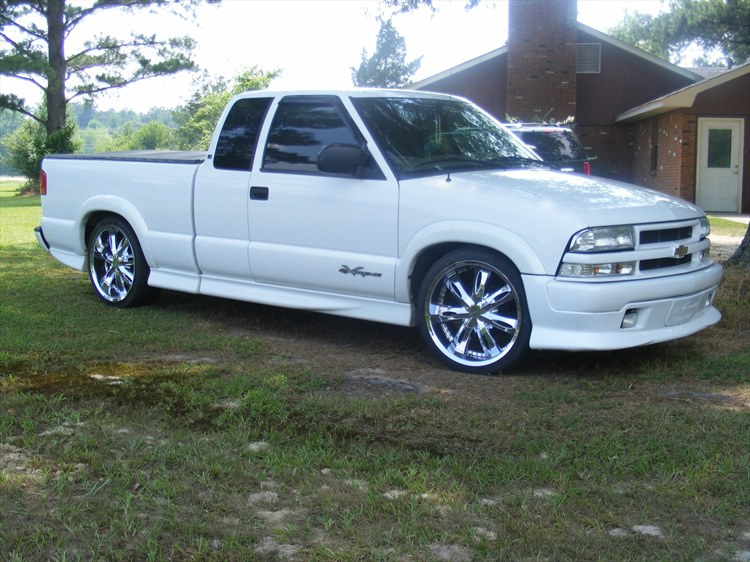 d13bruce 2001 chevrolet s10 extended cab specs photos modification info at cardomain. Black Bedroom Furniture Sets. Home Design Ideas