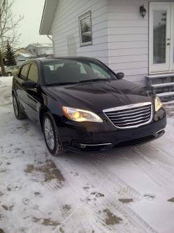 slemay83 2012 Chrysler 200