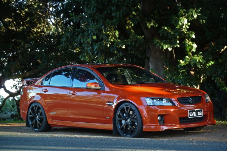 evilSS 2006 Holden Commodore