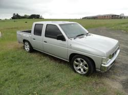 BROADZ 1997 Nissan D21 Pick-Up