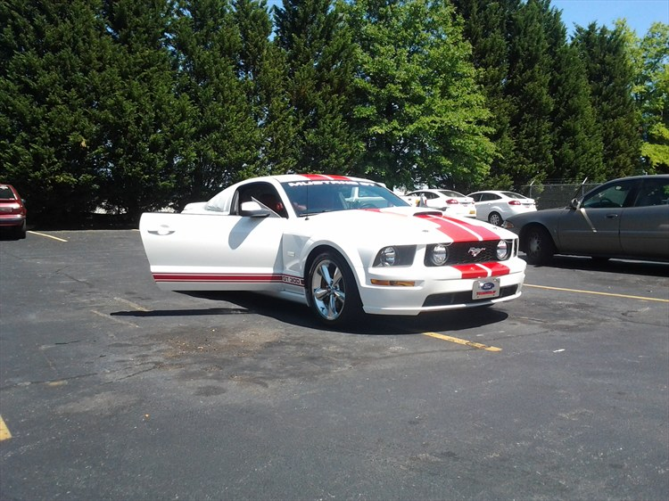 smccloskey37 2006 Ford Mustang