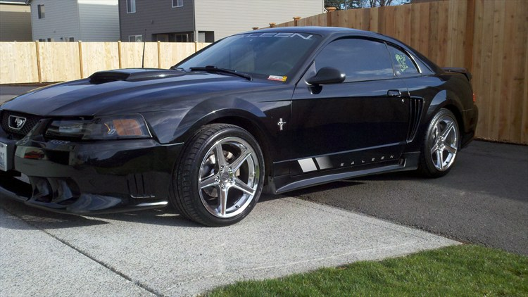 twok1Saleen 2001 Ford Mustang