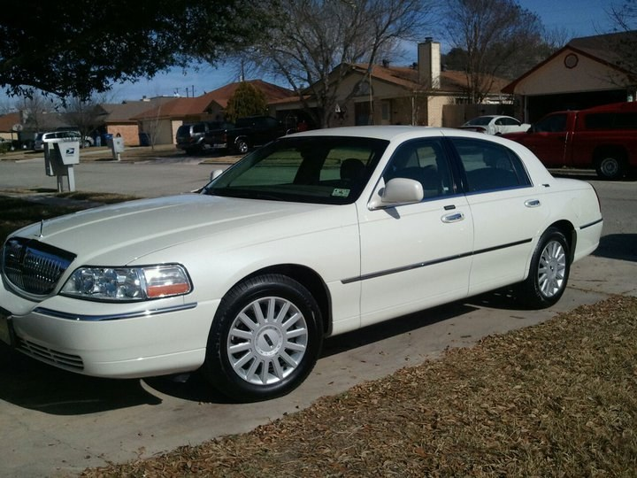 kevinrayperez09 2005 lincoln town car specs photos modification info at cardomain. Black Bedroom Furniture Sets. Home Design Ideas
