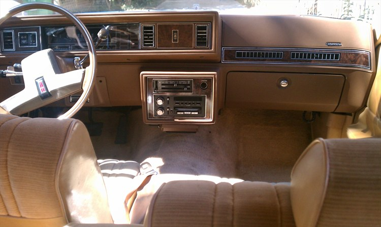 onyxxtreme2 1985 Oldsmobile Cutlass Supreme's Photo Gallery