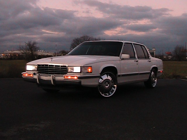 ChromeJerome 1993 Cadillac DeVilleSedan 4D Specs, Photos ...