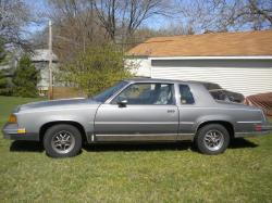 74hurstolds 1987 Oldsmobile Cutlass Salon