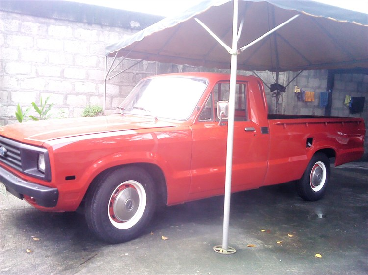mjcapco_511 1983 Ford Courier 15974858