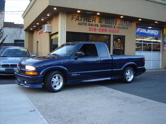 bigpapad 2003 chevrolet s10 extended cab specs photos modification info at cardomain. Black Bedroom Furniture Sets. Home Design Ideas