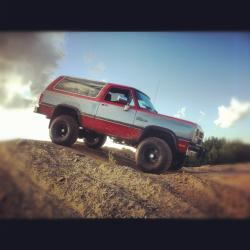 RED44 1991 Dodge Ramcharger