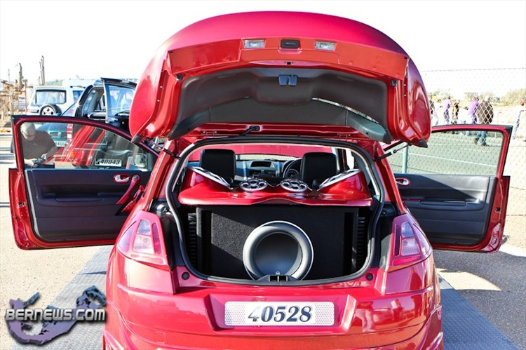 Another neil_lindo 2005 Renault Megane post... - 15490902
