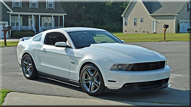 aque509 2012 ford mustang 15942912_large - Mustang 2012 White