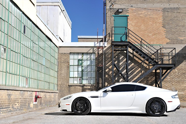 Aston Martin Vanquish on Cor Cinco Wheels - 15937983