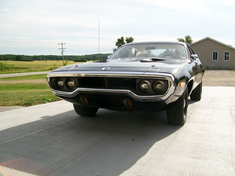 hemisr2nv 1972 Plymouth Roadrunner