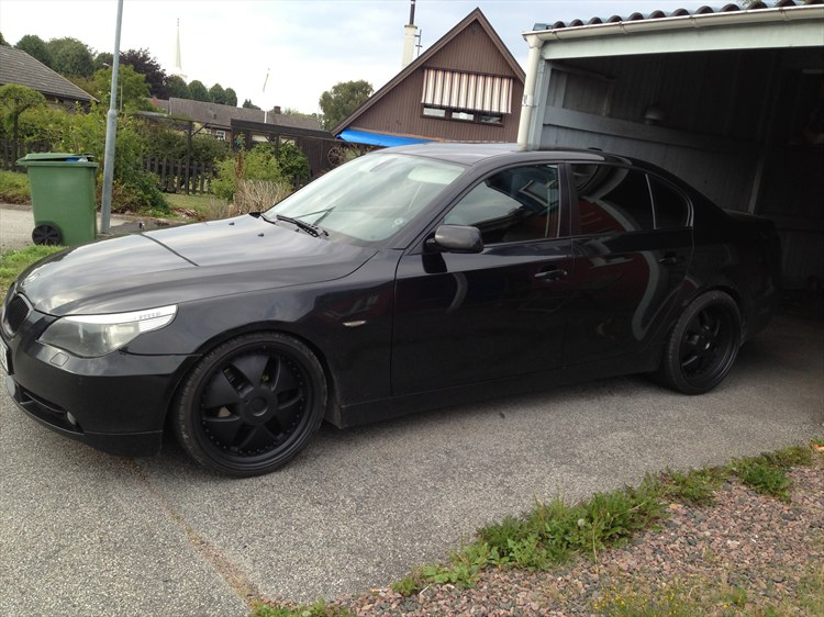 AdrianSweden 2004 BMW 5 Series 16304086