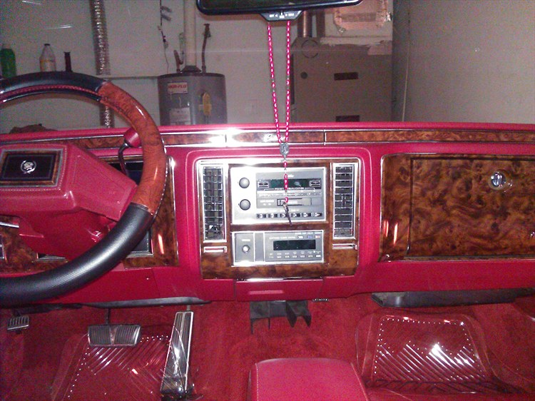 1991 Cadillac Brougham D'elegance Red In White All Original - 16135092