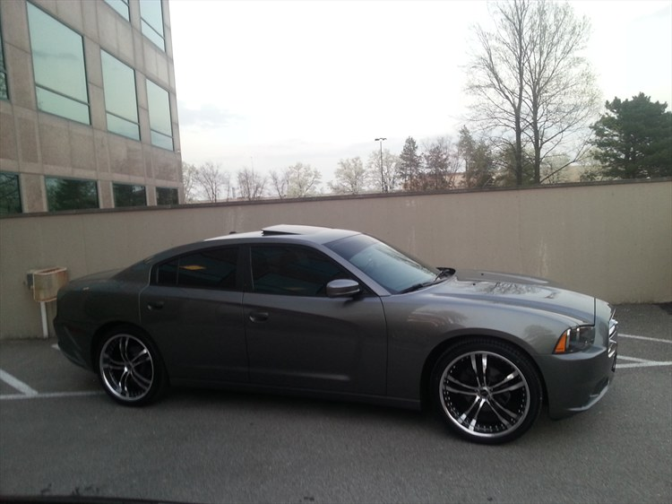My Charger on  Boss 337 22 inch rims - 16177054
