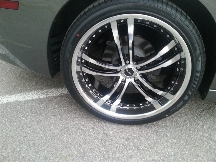 My Charger on  Boss 337 22 inch rims - 16177059