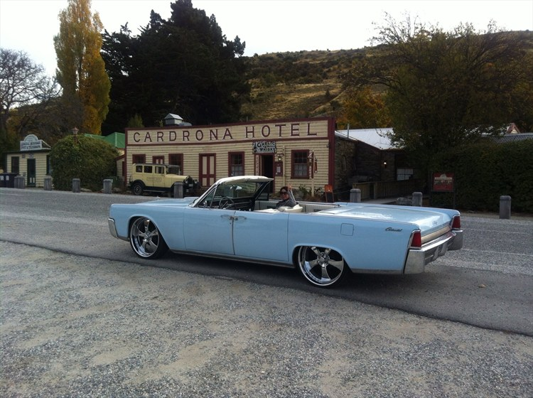 azzalinc 39 s 1964 lincoln continental in christchurch. Black Bedroom Furniture Sets. Home Design Ideas