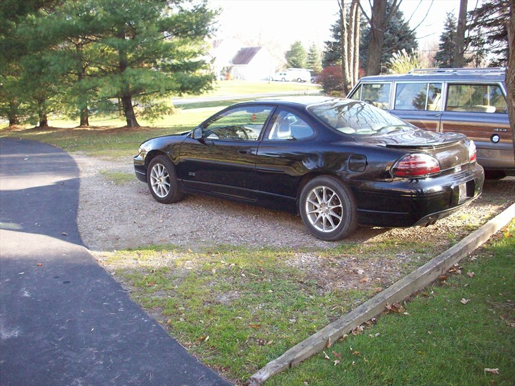 FORD826 1998 Pontiac Grand Prix