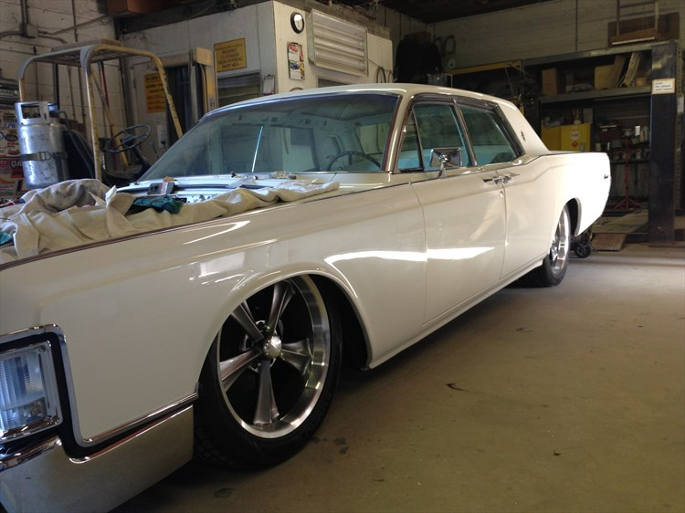 Another bshell 1969 Lincoln Continental post... - 16151239