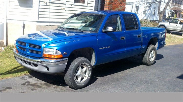 2000 Dakota QC - 16309245