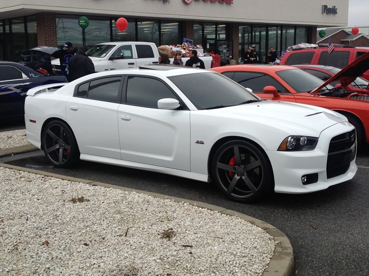 Puffy1228 2012 Dodge Charger Specs, Photos, Modification ...