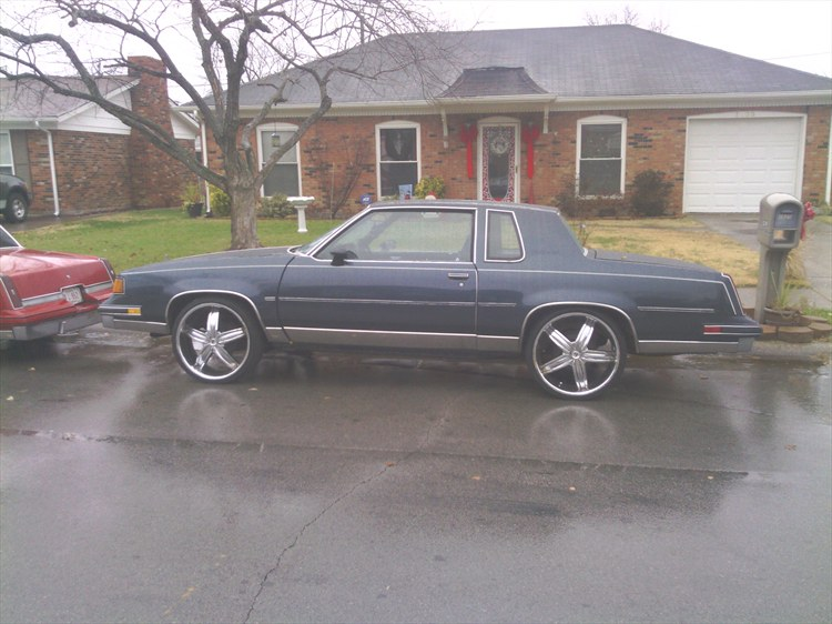 BIGGBAMM's 1988 Oldsmobile Cutlass Supreme