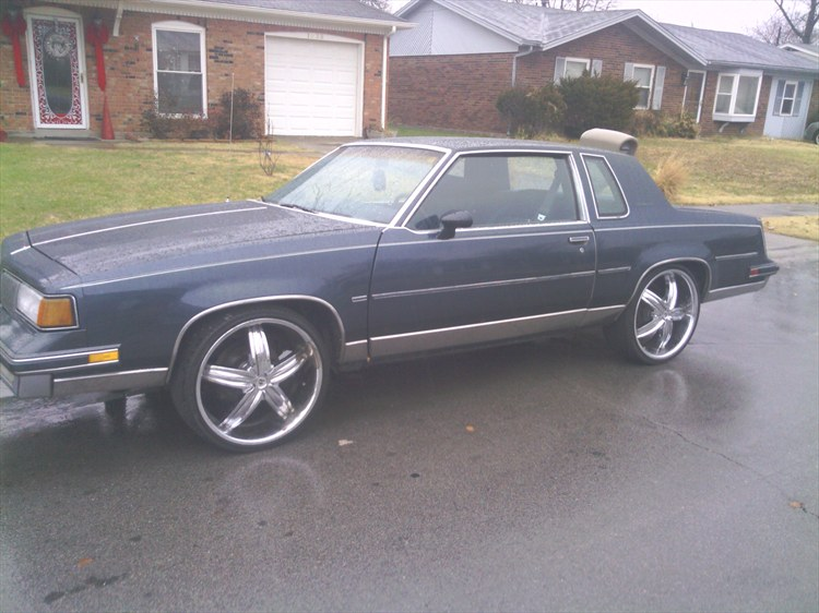BIGGBAMM 1988 Oldsmobile Cutlass Supreme 88547