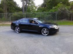 kingwaverly 2010 Ford Taurus
