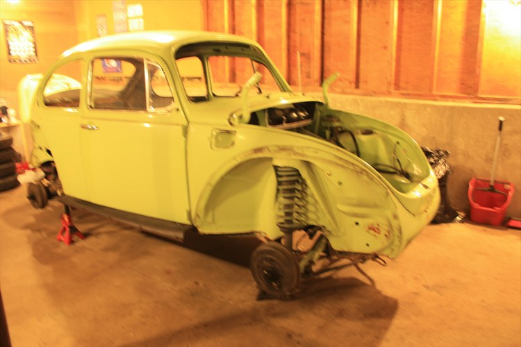 Our 1973 VW Super Beetle project. - 16227443