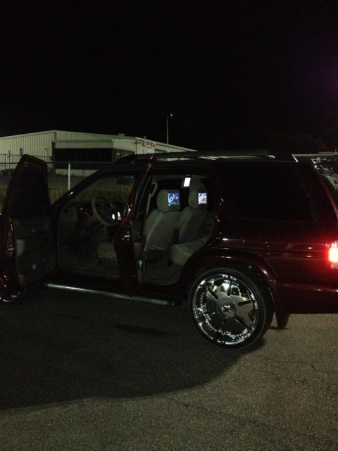 dj_ton_low 2003 Nissan Pathfinder