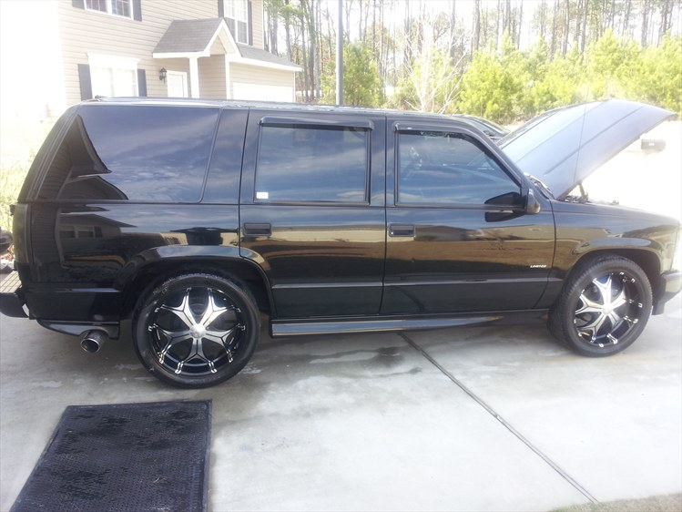 chughley 39 s 2000 chevrolet tahoe in columbia sc. Black Bedroom Furniture Sets. Home Design Ideas