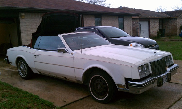 yung_N_hOLDIN 1984 Buick Riviera