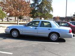 122167 2009 Mercury Grand Marquis