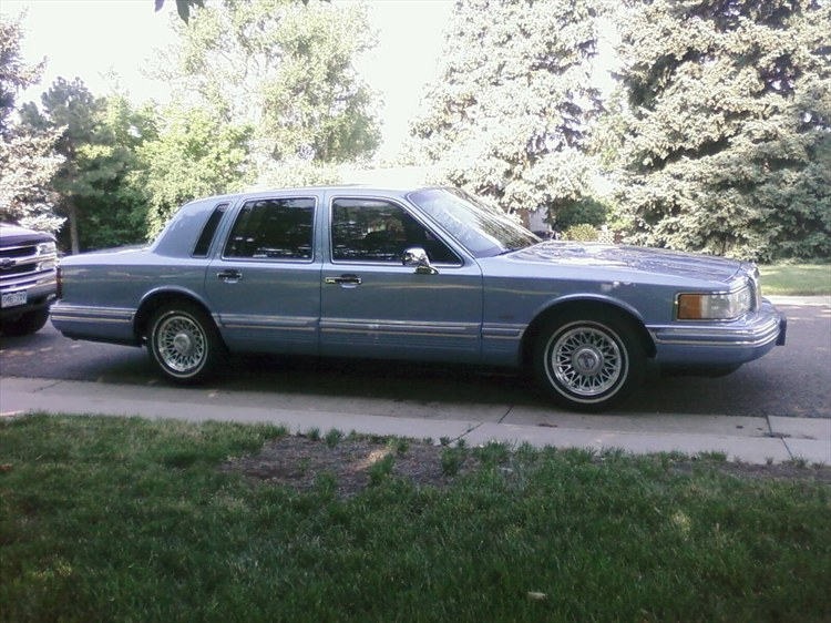 bigcraneman 1994 lincoln town car specs photos modification info at cardomain. Black Bedroom Furniture Sets. Home Design Ideas