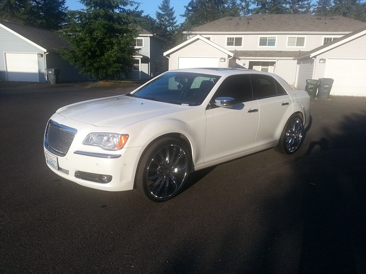 biggib757 2011 Chrysler 300