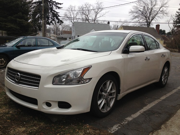 09altima 39 s 2009 nissan maxima s sedan 4d in southington ct. Black Bedroom Furniture Sets. Home Design Ideas