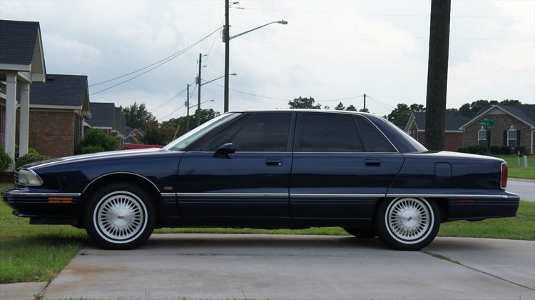 Vict0 1995 Oldsmobile 98regency Elite Sedan 4d Specs