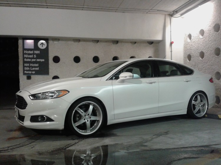 Ranadegre 2013 Ford Fusionse Sedan 4d Specs Photos