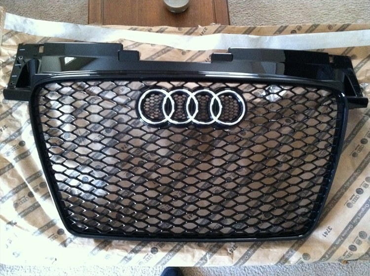 OEM TTRS Grill From Germany - 16224701