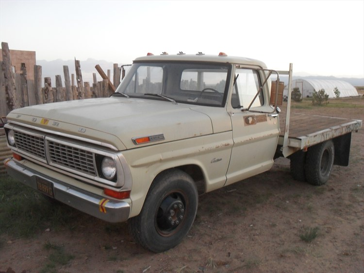 271948146436 besides Curbside Outtake 1977 Ford Maverick Four Door as well 1975 Bmw 2002 together with 1957 Seat 600 also Shz Swccc 12. on 1972 suzuki truck