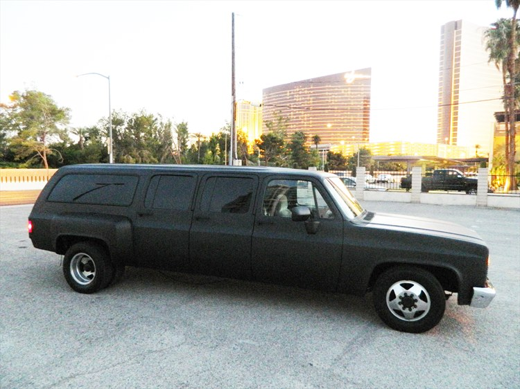 CUSTOM CHEVROLET SUBURBAN - 6 DOOR DUALLY - MATTE BLACK - CLASSIC SUV - 16300898