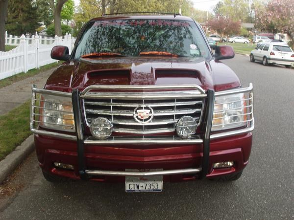 OLD 2002 CADİLLAC ESCALADE BEFORE MOVEİNG TO THE EUROPE THAT İ HAD DURİNG THE UNİTED STATES  - 16364883